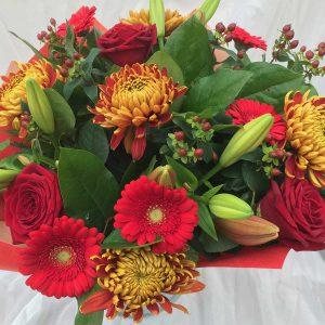 Boeket Warm Guur €19,99 Scheerhoorn Bloemen Leek