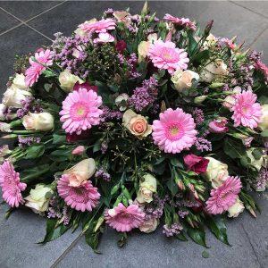 Bloemstuk Rosé €150 Scheerhoorn Bloemen Leek